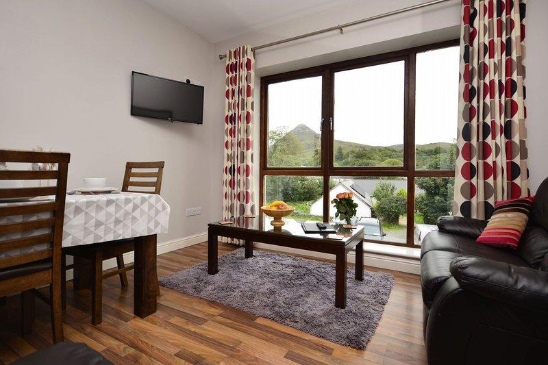 Apartment 707 - Letterfrack - Self catering apartment in Letterfrack Village, alquiler vacacional en Letterfrack