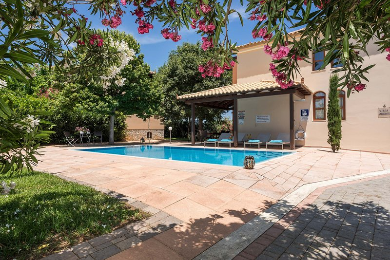 Villa Afrodite - Private Paradise with Pool & View, holiday rental in Maleme