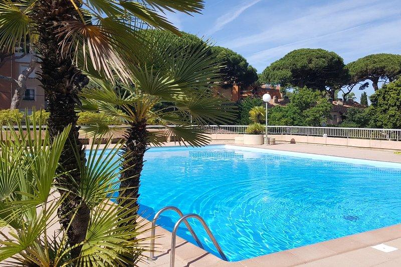 Studio proche port et plage r sidence avec piscine - Residence vacances var avec piscine ...