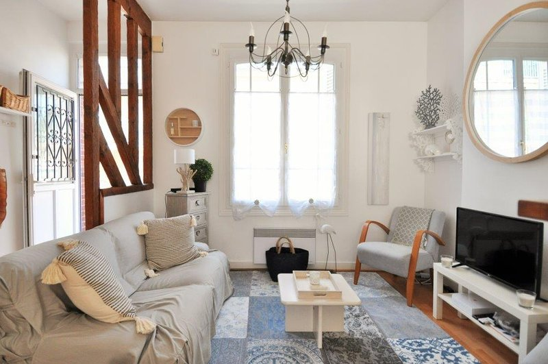 Charming fisherman house perfectly located in TROUVILLE-SUR-MER., holiday rental in Bonneville-sur-Touques