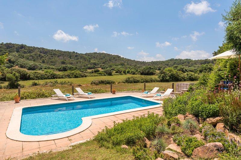 Historic Finca Biniarroga Nou-with private pool-close to Mahón-AC, location de vacances à Es Grau