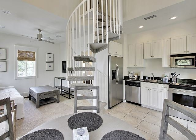 Southern Serenity Carriage House - Spacious New Remodel in Rosemary Beach!!, holiday rental in Rosemary Beach