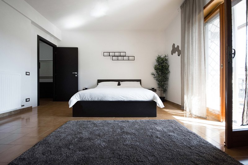 Nuove stanze dal design moderno e minimalista, vacation rental in Aranova