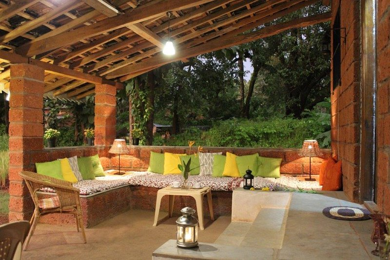 Koyari Vacation Home, a tranquil village retreat, aluguéis de temporada em Guhagar