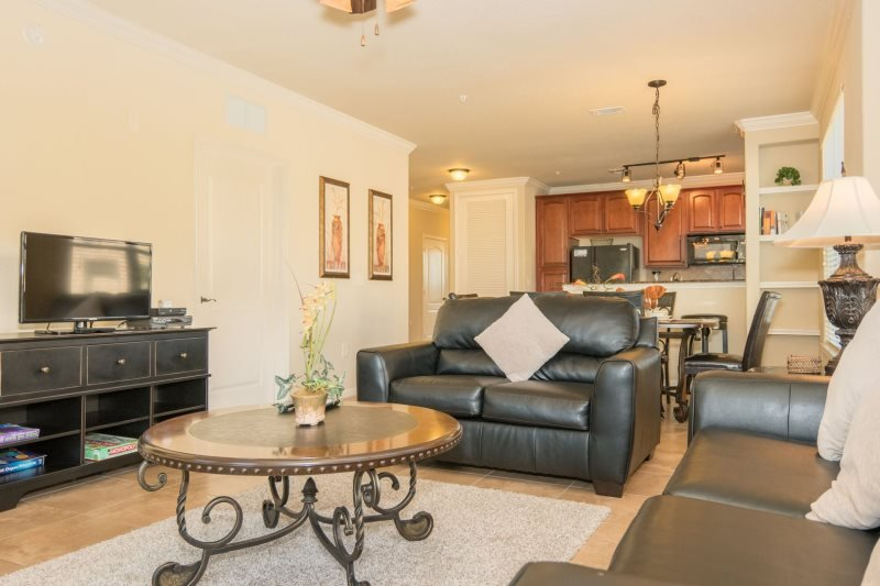 904CP-521. 3 Bedroom 3 Bath Condo in Bella Piazza Resort, holiday rental in Davenport