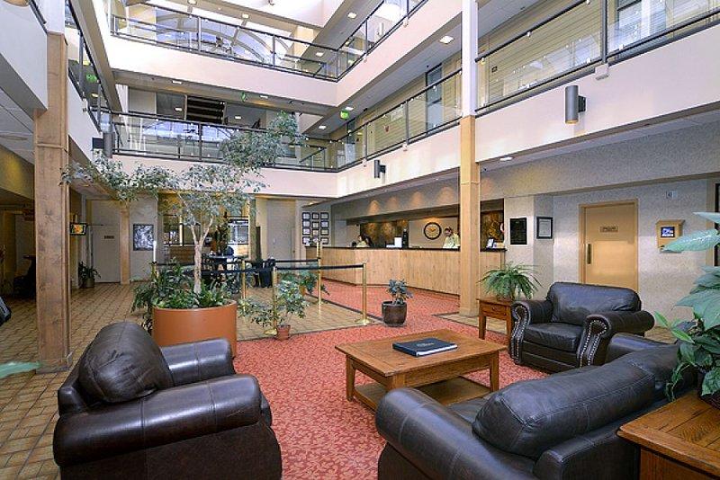 Hallway/Lounge sitting area