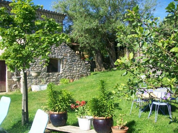 Beautiful house with mountain view, casa vacanza a Valence