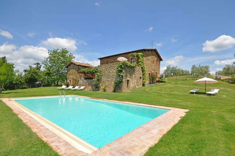 Rapale Apartment Sleeps 6 with Pool and WiFi - 5832085, casa vacanza a Monastero d'Ombrone
