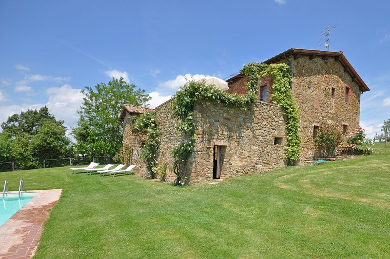Rapale Apartment Sleeps 3 with Pool and WiFi - 5241427, casa vacanza a Monastero d'Ombrone