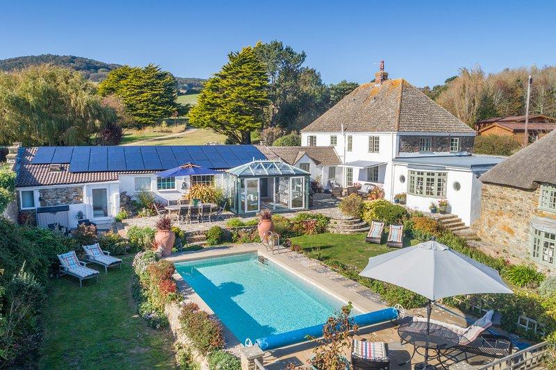Casa costera con piscina privada y 3 acres de jardín