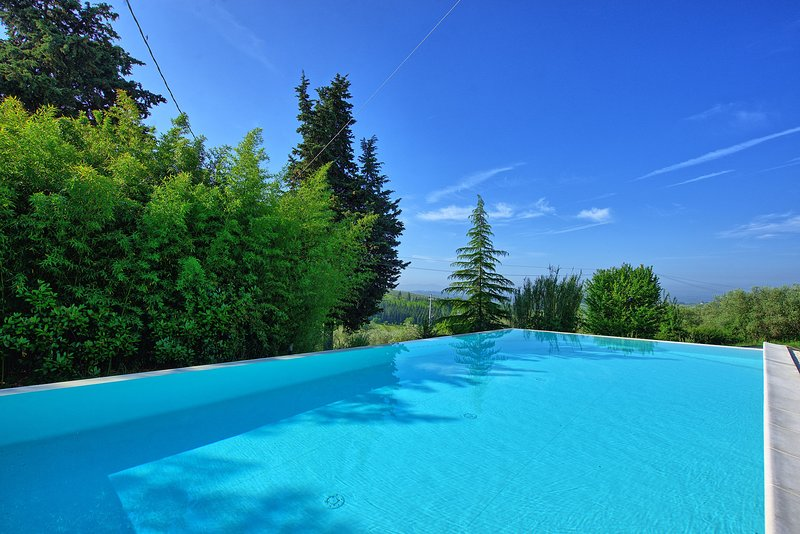 San Filippo a Ponzano Apartment Sleeps 4 with Pool and WiFi - 5241376, holiday rental in Petrognano