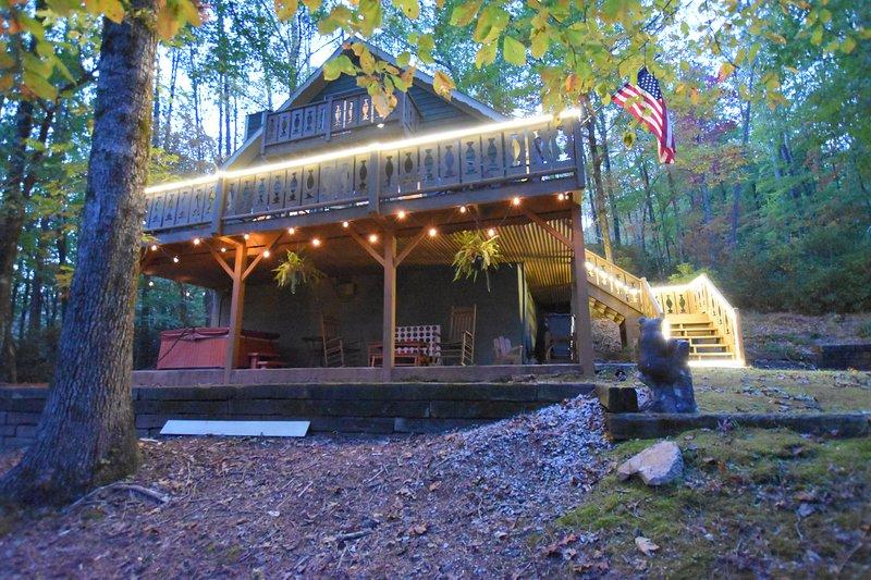 Haven Haus - Helen, GA - Huge lot, Hot Tub, Fire Pit, casa vacanza a Sautee Nacoochee
