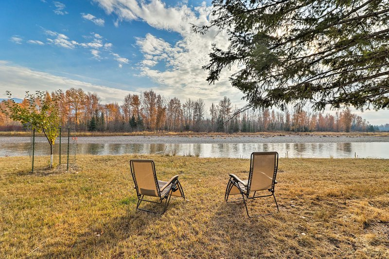 Located on the edge of Flathead River, this house is perfect for fishing trips!