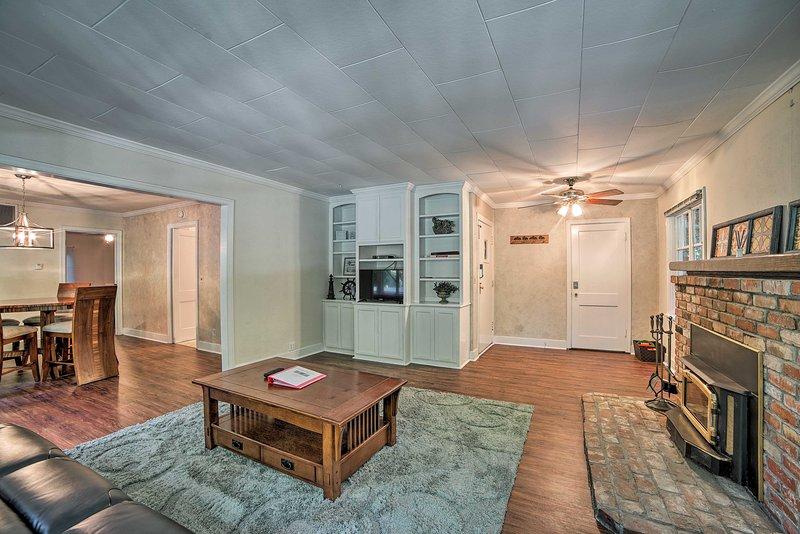 L'interno di 1.114 piedi quadrati è perfetto per le famiglie.