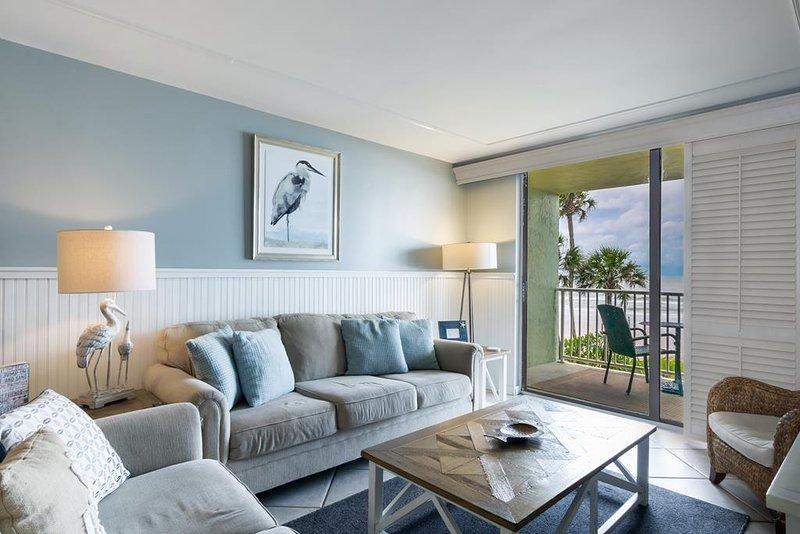 Comfy coastal decor