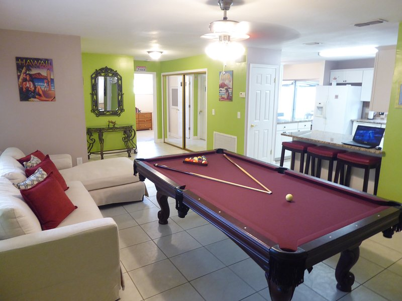 Orlando Area 5BR/2BA Home w/ Jacuzzi!, location de vacances à Apopka