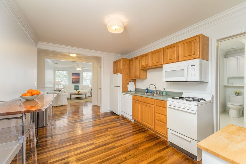 Cypress Suite - 2BR/1B - 4 Adults total, vacation rental in Daphne