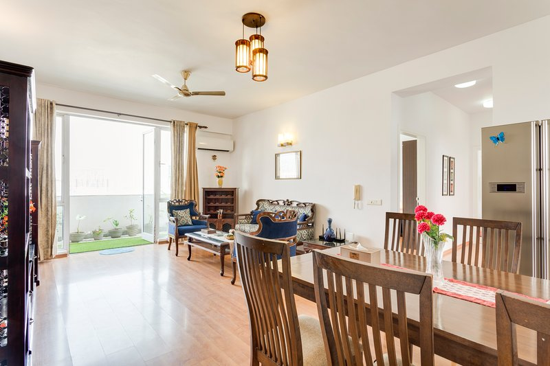 Hostie Aahana-3BR apt Sohna Road, near Medanta / Atremis, vacation rental in Gurugram (Gurgaon)