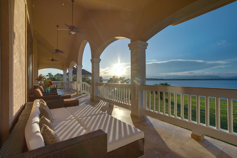 Villa Tramonto en The Placencia Residences