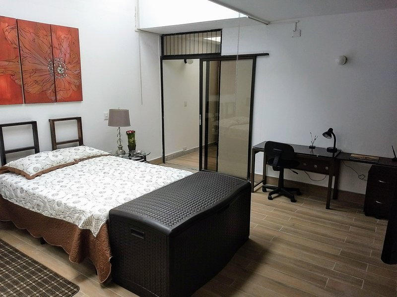 Apartamento Vista Real zona 15 Guatemala, holiday rental in Mixco