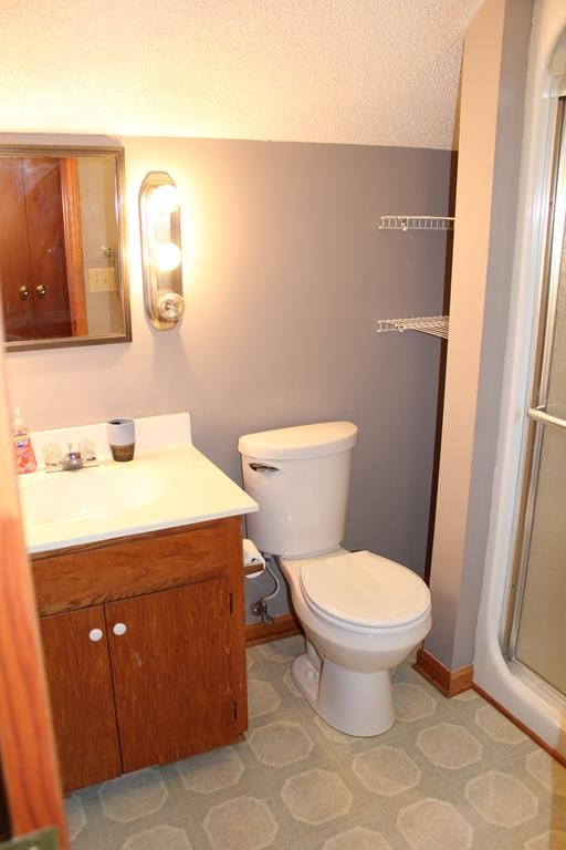 BATHROOM 3 UPSTAIRS PRIVATE TO BEDROOM 4