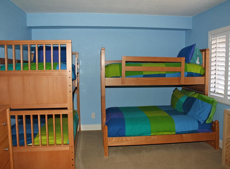 Sefcik - 3rd Bedroom with twin and twin/full bunks beds