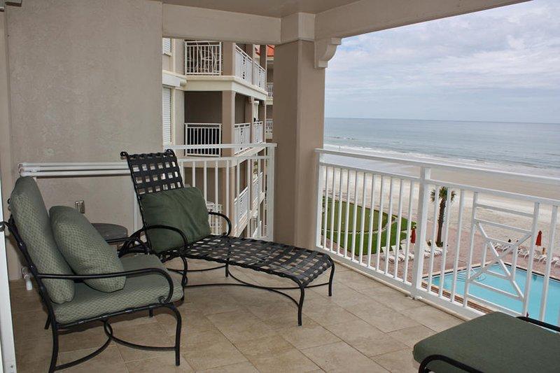 Cook - balcony