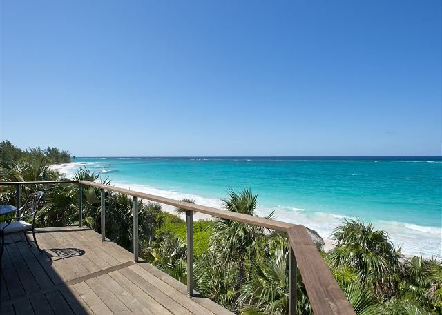 New and Luxurious Beachfront House W/ Private Pool On Prestigious Banks Road, holiday rental in Governor's Harbour