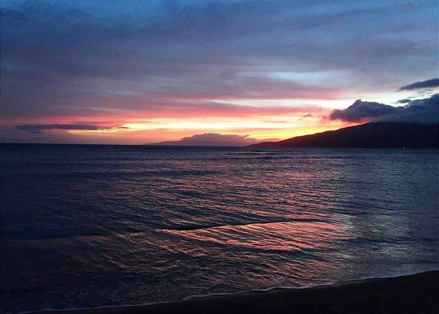 Maui Sunset 401B  Remodeled w/ full kitchen and partial ocean view., vacation rental in Maui