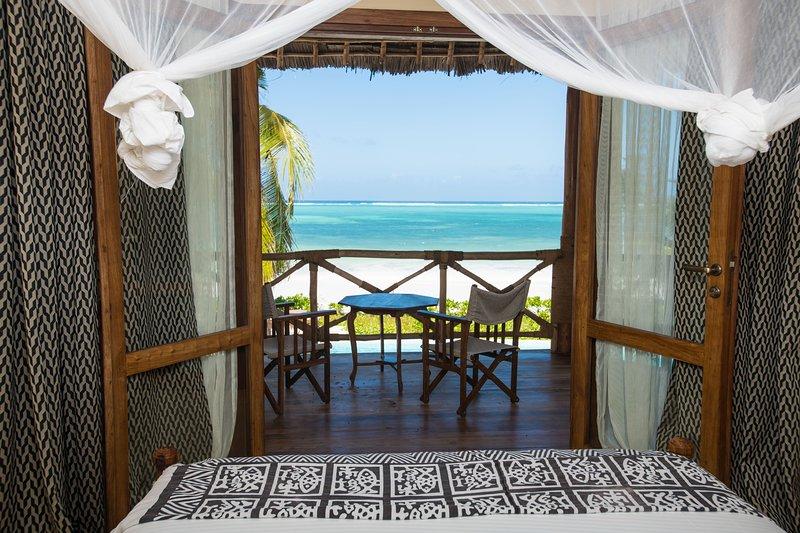 Zanziblue Iliki, Oceanfront Private Villa, vacation rental in Matemwe