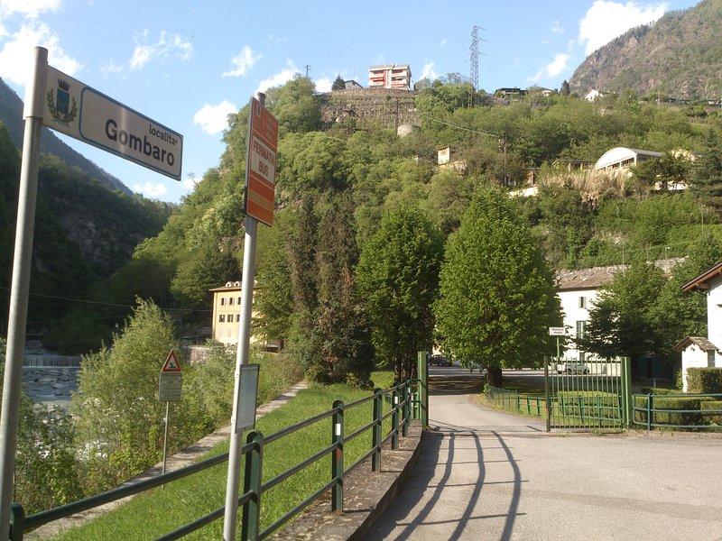 "Holiday House Sondrio Valtellina - ""Around the corner"""