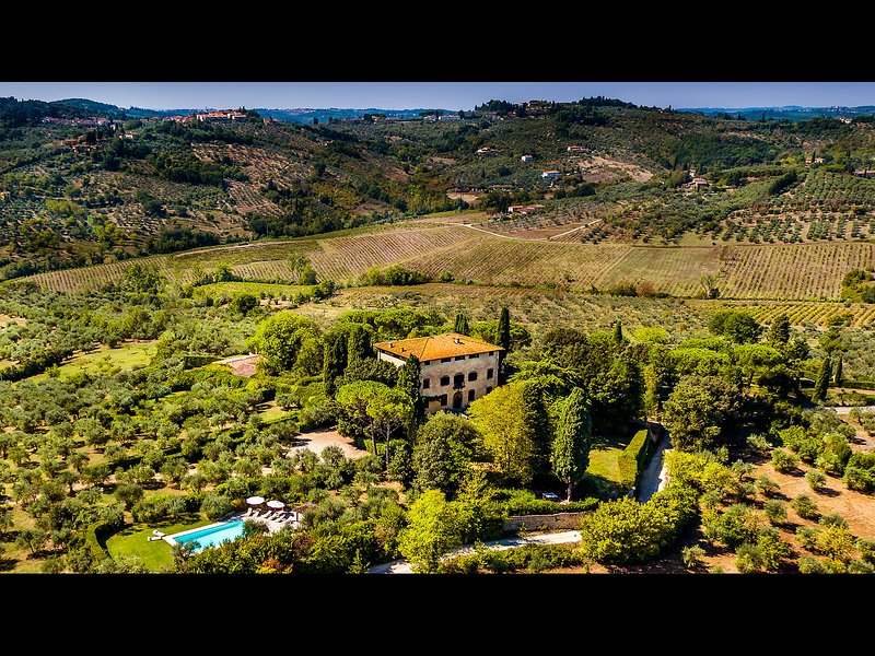 Wonderful 8br 9ba villa with pool in great location just minutes to