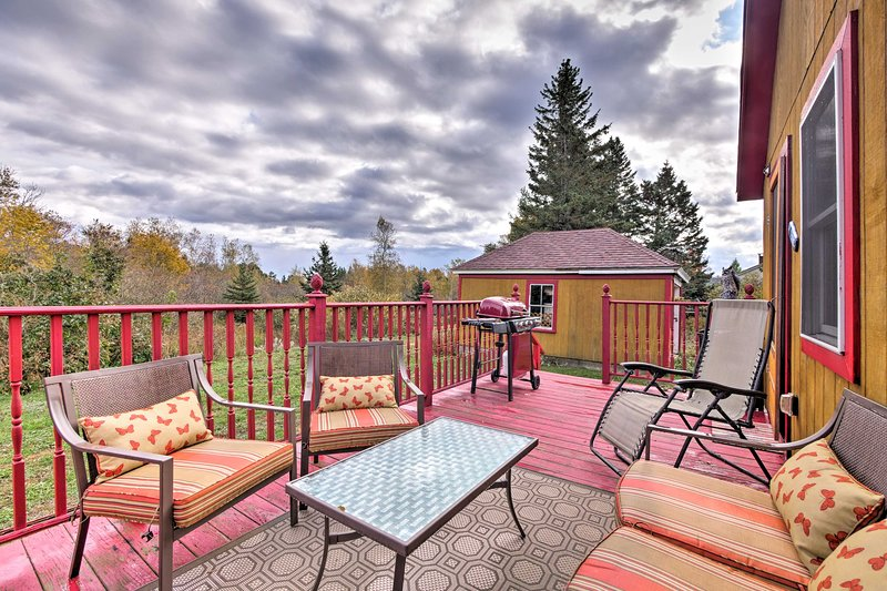 The home includes 2 bedrooms, 1 bath, & a lovely deck to host 6 guests.