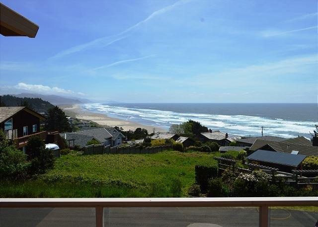 THE VIEW HOUSE~Breathtaking ocean views from this elegant home that sleeps 13, alquiler de vacaciones en Nehalem