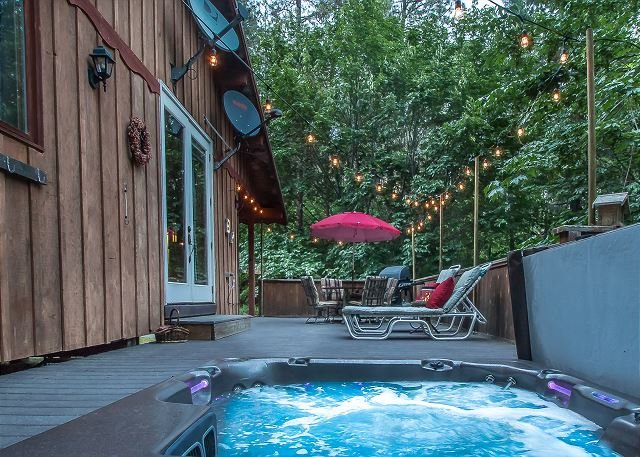 Near Leavenworth! Private, hot tub, WiFi, Fido OK, cable and more!, vacation rental in Leavenworth