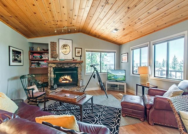 Lake View Home w/ Double Decks on Rubicon Bay, vacation rental in Tahoma