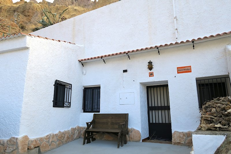 Cueva Alcázar, holiday rental in Purullena