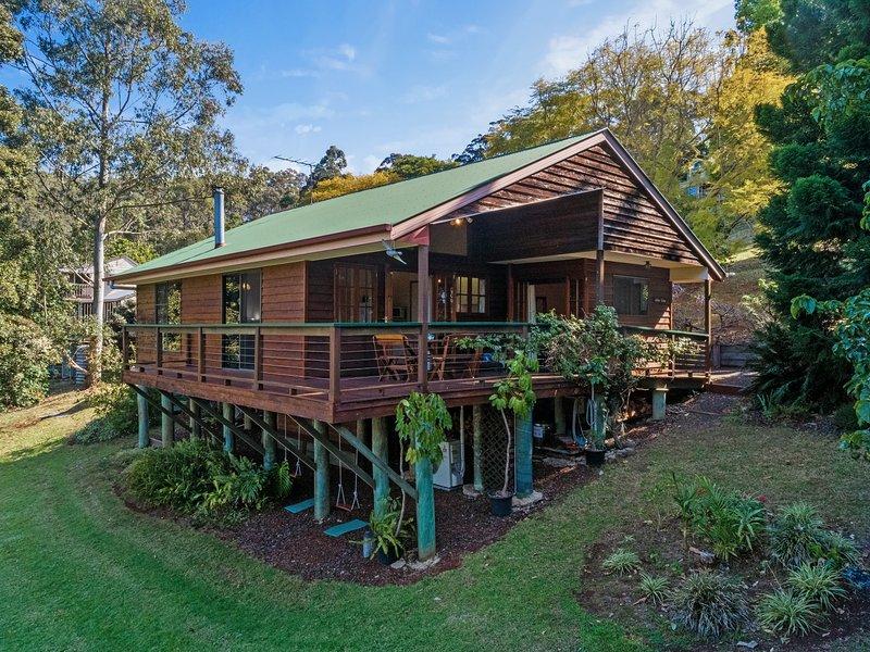 Cedar Lodge 3 Bedrooms, vacation rental in Lockyer Valley