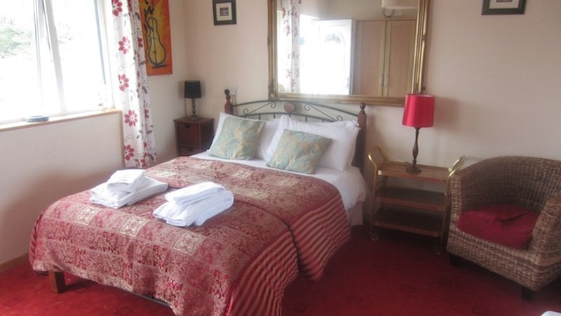 Double Bed with towels and linen provided.