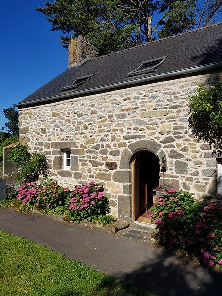 The gateway to the gîte de Guernevez