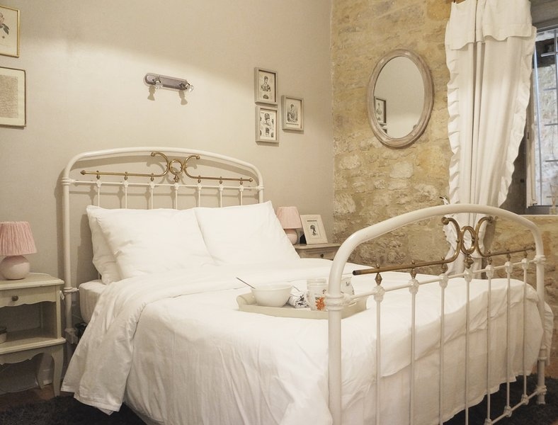 Your first glance at my cosy Sarlat apartment!