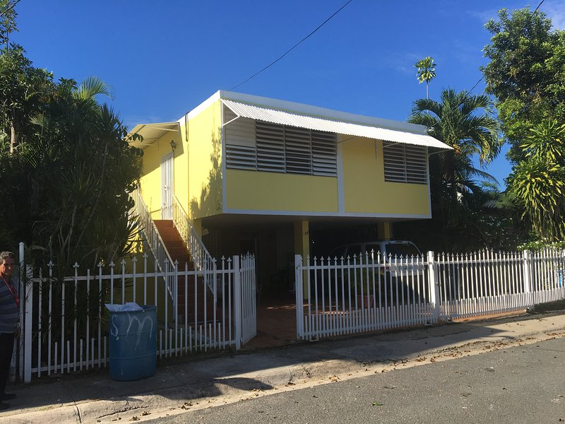 Casa Peace Haven Beach House, holiday rental in Aguada