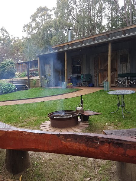 BEAUMONTS ON HILLTOP, holiday rental in Boolarra