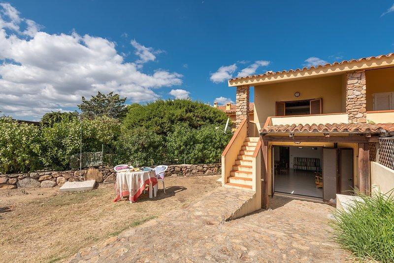 BILO RUINAS 3: economico bilocale, 2 persone, alquiler de vacaciones en Pittulongu