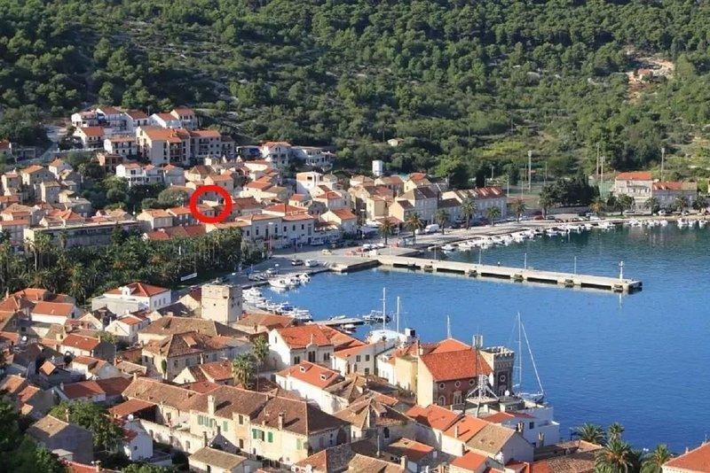 Tenara - in center & close to the sea: A2(2) - Vis, location de vacances à Island of Vis