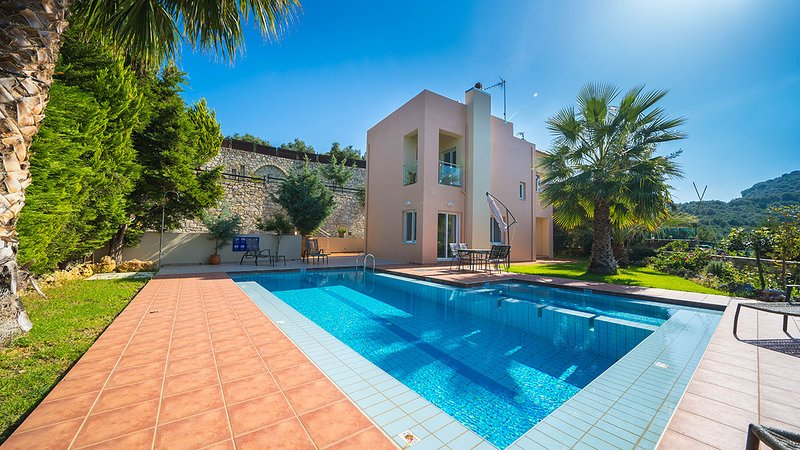 Armonia 3BR Villa, Agia Marina Chania, vacation rental in Chania Town