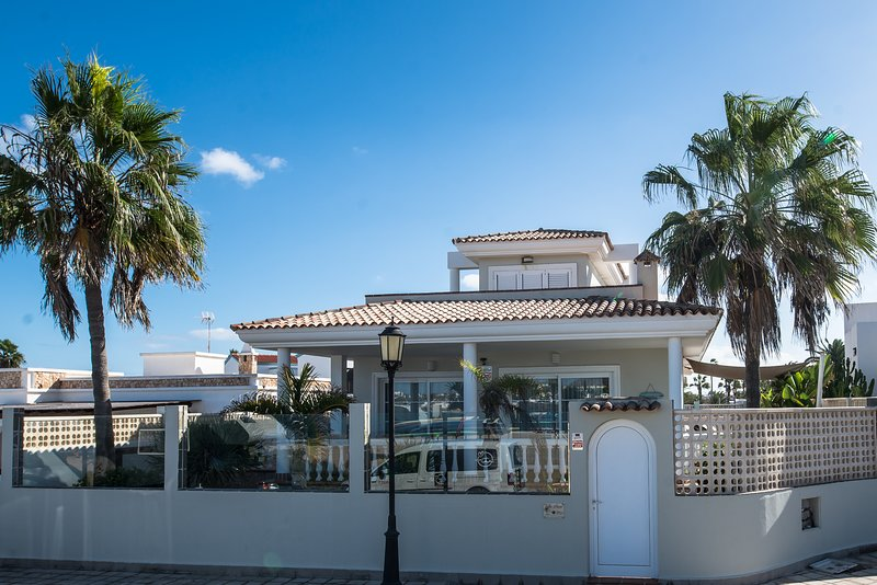 Villa Sueno  (Dream Villa), holiday rental in Corralejo