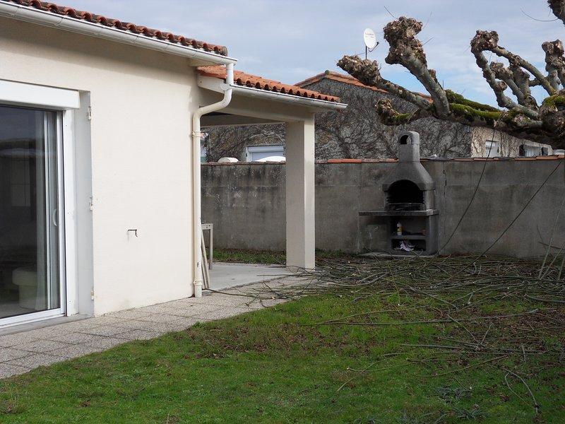 Nice house with garden & terrace, alquiler de vacaciones en La Couarde-sur-Mer
