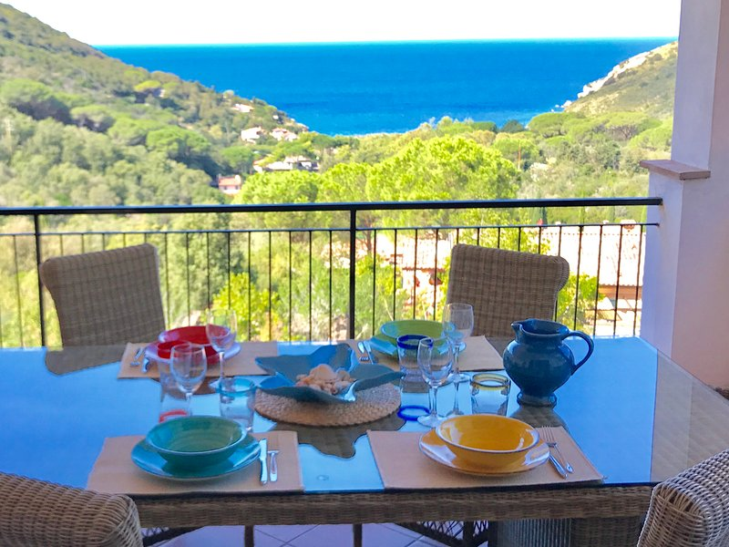 Appartamento con splendida vista mare, vacation rental in Rio Nell'Elba