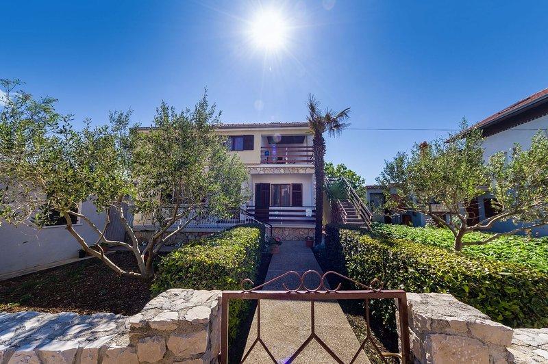 Matkos - with garden and terrace A1(7) - Nin, vacation rental in Nin